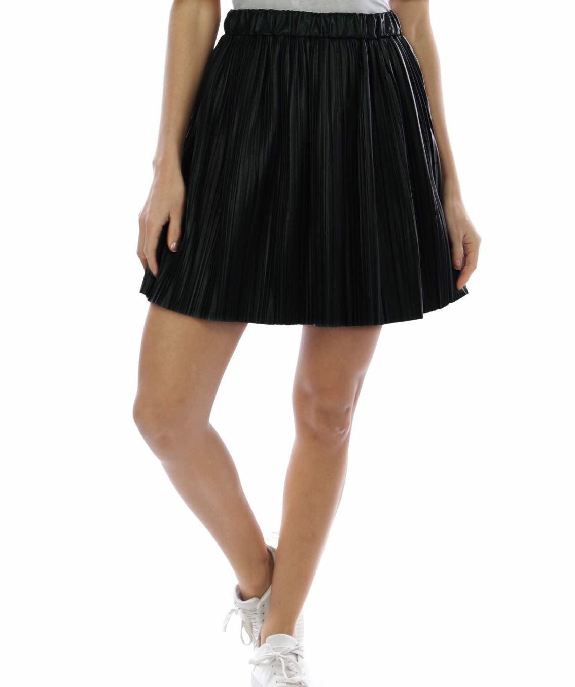 4beb4f9627 Falda plisada negra
