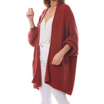 Cardigan color cereza con bolsillos