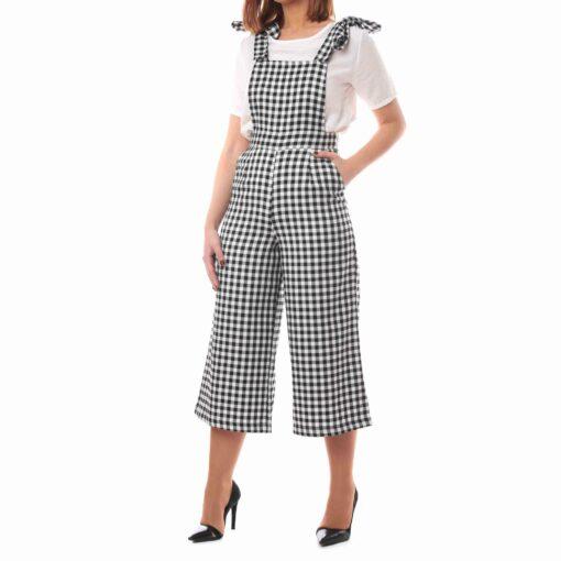 Mono estilo culotte con estampado cuadro vichy negro