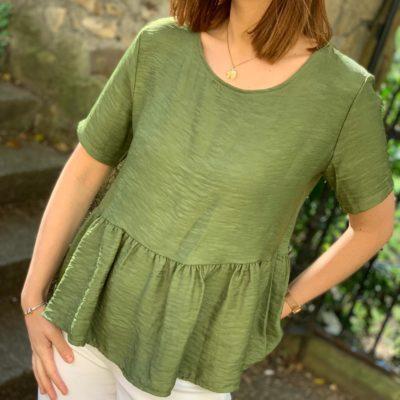 Blusa verde kaki estilo peplum