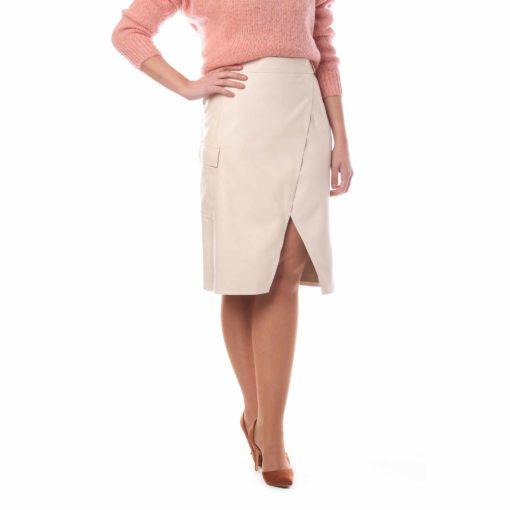 Falda de color crudo efecto piel con abertura