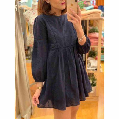 Vestido azul marino corto con bordados