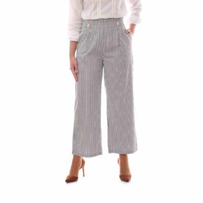 Pantalón culotte con estampado de rayas y detalle de botones
