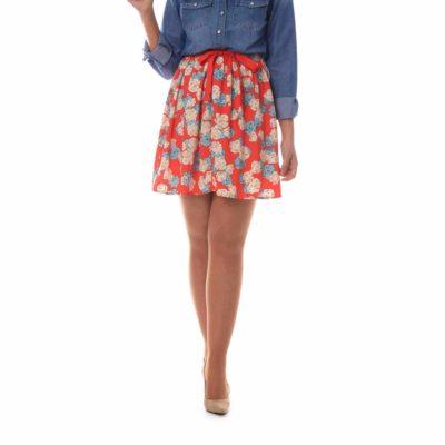 Falda corta con estampado de flores y lazada