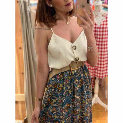 Look ideal con falda midi , top lino y cinturón