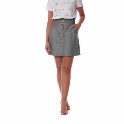 Falda mini gris con botones de madera delantera