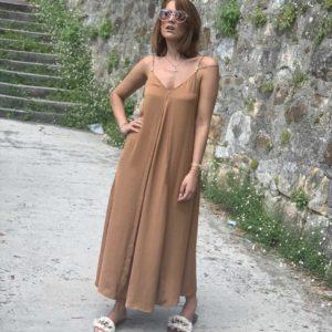Vestido satinado camel