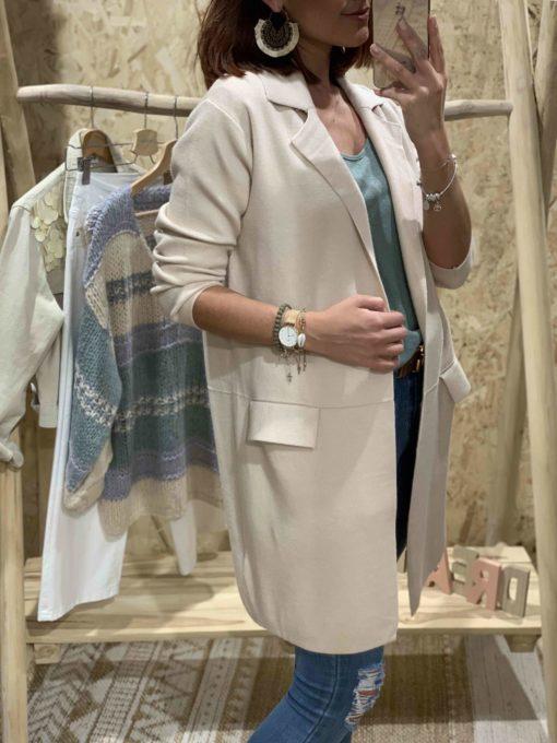 Abrigo de mujer de punto color beige