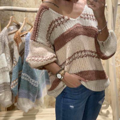 Jersey de mujer con rayas en tonos pastel y cuello pico